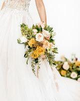golden-hued and blush roses floral bouquet