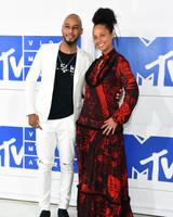 Alicia Keys Swizz Beatz VMAs 2016