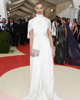 met-gala-2016-karlie-kloss-red-carpet-0516.jpg