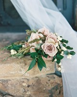 pale pink bouquet with berries