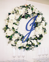 beth-scott-wedding-wreath-0653-s112077-0715.jpg