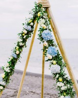 tipi blue flowers