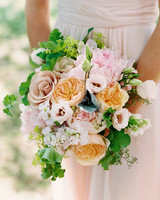 tiler-robbie-bridesmaid-bouquet-001-d111357.jpg