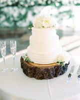 wood base cake stand