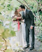 bride-groom-garden-jessicakirk075-mwds110827.jpg