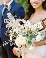 linda robert wedding bouquet