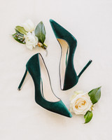 green wedding ideas l hewitt photography shoes