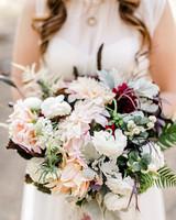 kelly kelsey wedding bouquet