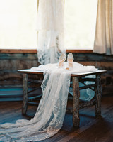 mckenzie-brandon-wedding-veil-48-s112364-1115.jpg
