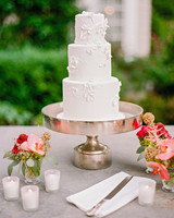melissa michael wedding cake on stand