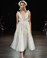 naeem khan wedding dress fall 2018 v-neck sleeveless knee length