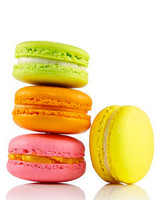 neon-wedding-ideas-danas-bakery-macarons-0614.jpg