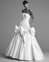 viktor rolf wedding dress fall 2018 draped bow gown sleeveless