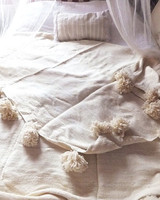 wedding-gifts-etsy-white-pom-pom-blanket-0216.jpg
