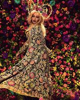 beyonce-flower-crown-coldplay-music-video-0616.jpg