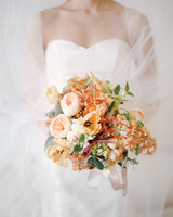 bride-bouquet-elizabeth-messina-008-mwds110806.jpg