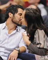 Jessica Alba and Cash Warren kissing