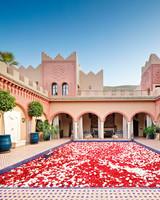 glamping-honeymoon-resorts-kasbah-tamadot-0515.jpg