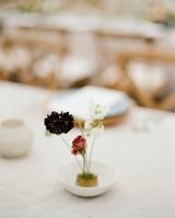 dainty modern wedding centerpiece