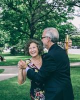 sadie-brandon-wedding-dancing-47-ss112173-0915.jpg