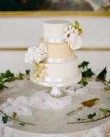 sugar flower wedding cakes rebecca yale