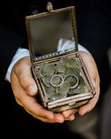 terrarium wedding ideas ring holder