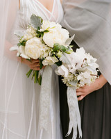 winter-bouquets-real-weddings-kathryn-ryan-1114.jpg