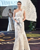yumi katsura white one-strap trumpet with feather applique wedding dress fall 2018