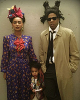 beyonce-flower-crown-frida-halloween-website-0616.jpg