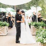 bride-groom-kiss2013-lindsey-josh-0950-mwds110860.jpg