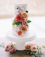 surprise wedding cake flowers