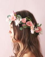 projects-head-wreath-paper-flowers-028-mwds111071.jpg