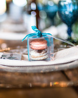 rose gold wedding ideas macaron favors
