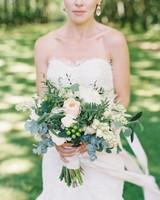 wedding bouquet berries
