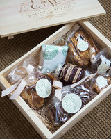 emily-matthew-wedding-welcomebox-0234-s112720-0316.jpg