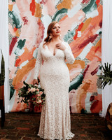 long sleeved wedding lace dress