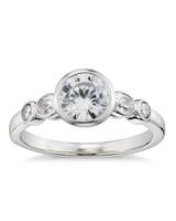 new-engagement-ring-designers-zac-posen-bezel-0515.jpg