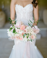 peachy wedding bouquet