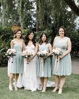 timeless wedding photos bride bridesmaids