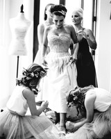 jessejo-daniel-wedding-gettingready-019-s112302-1015.jpg