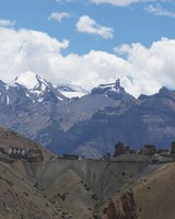 travel-honeymoon-diaries-himalayan-mountains-s112955.jpg