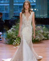 Monique Lhuillier Bow Wedding Dress