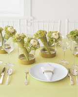 diy-floral-favors-mini-bouquet-centerpieces-fa02-0615.jpg