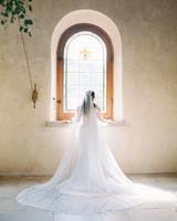 glamorous wedding ideas bride dramatic veil