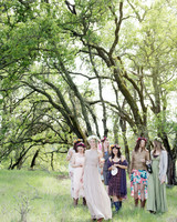 scavenger-hunt-bridal-shower-friends-under-trees-0315.jpg