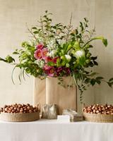 spring-flower-expert-green-vase-favor-table-sp11-0315.jpg