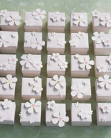 diy-floral-favors-flower-punch-blossom-boxes-sp-05-0615.jpg