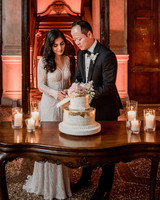 elle raymond venice wedding bride groom cutting cake