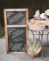 chalkboard-sign-reception-cocktails-000032480004-mwds110864.jpg