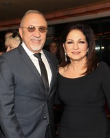 gloria-estefan-emilio-estefan-iconic-hollywood-couples-0216.jpg
